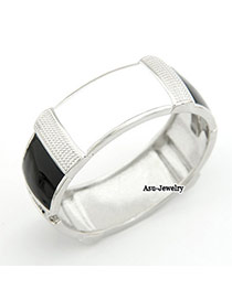 Korean exquisite classic fashion noble oval shape charm bangle
